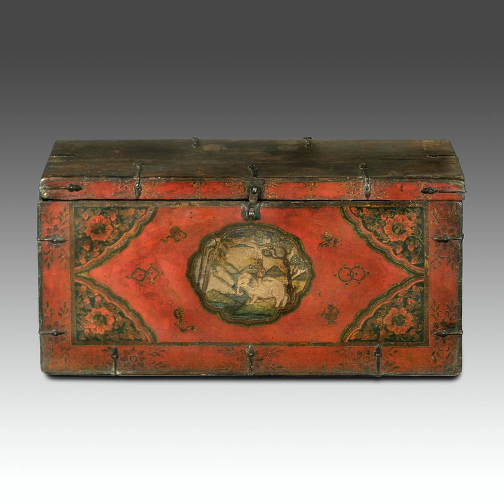 Trunk depicting the Four Harmonious Friends