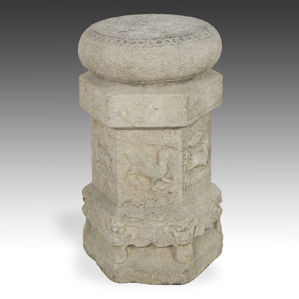 Drum-form pedestal or base