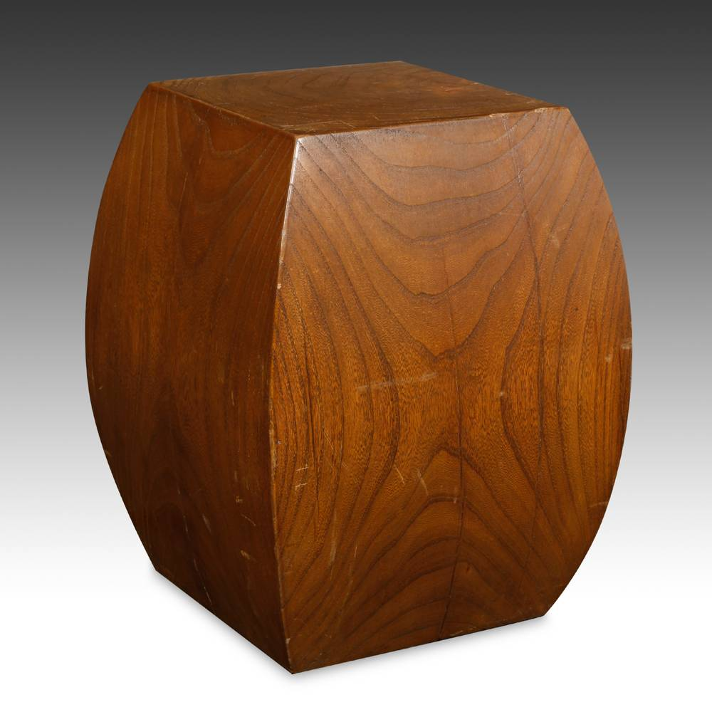 Convex or barrel-form Stool
