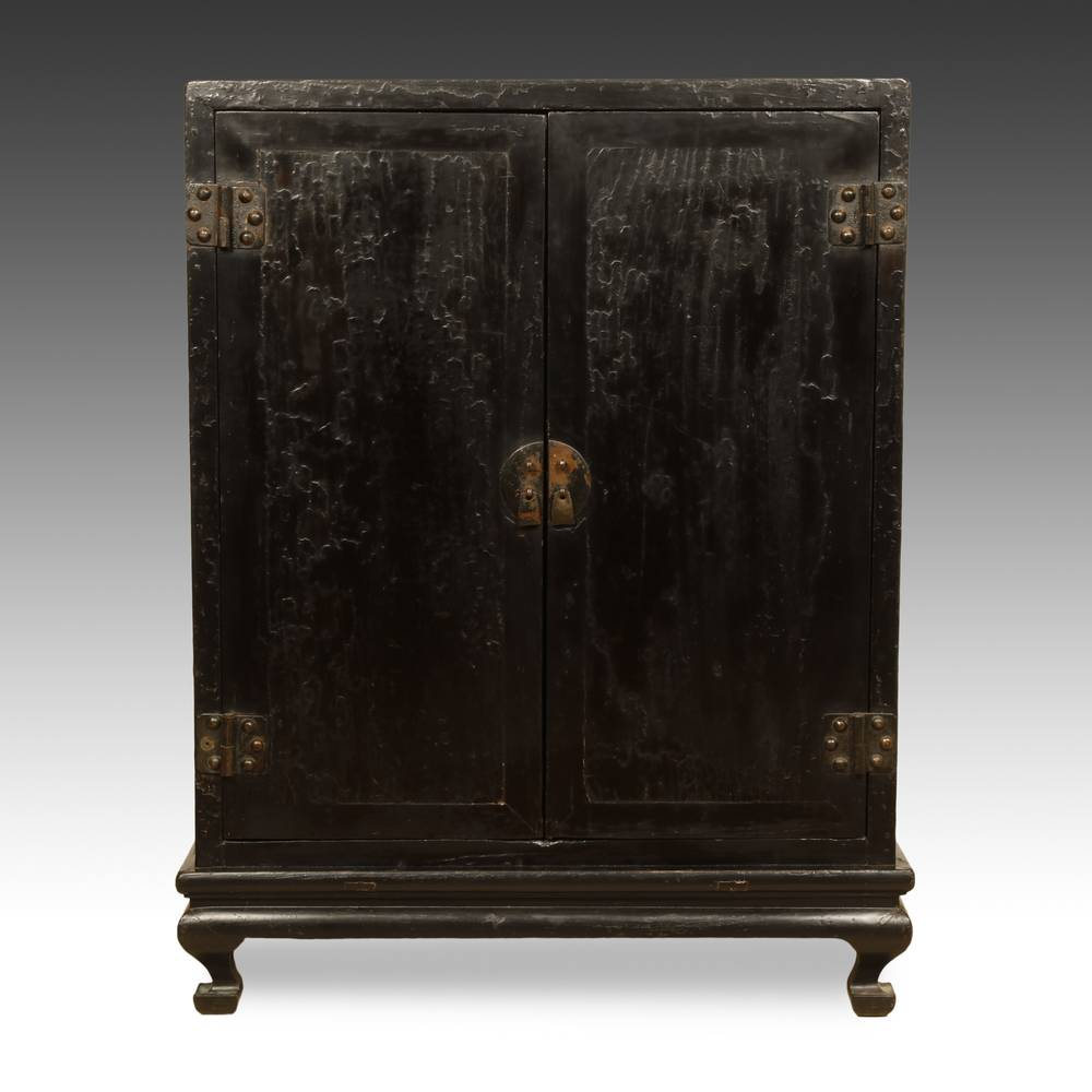 Altar in Cabinet with 2 Doors